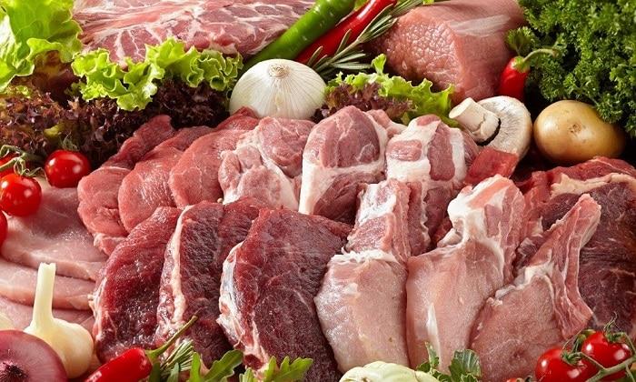 Говядина и телятина помимо ценного природного белка богаты железом, которое способствует кроветворению, и витаминами группы В, поддерживающими центральную нервную систему