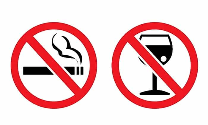 Причинами, способствующими быстрому развитию тяжелых форм панкреатита, считается нездоровый образ жизни с увлечением вредными привычками - алкоголем, табакокурением