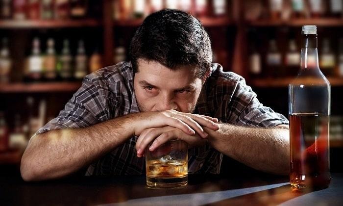 Злоупотребление спиртными напитками может спровоцировать развитие псевдокисты