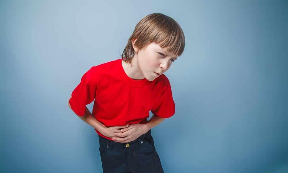 Симптомами увеличения железы являются боли в левом подреберье и животе. Могут иметь ноющий или острый характер, нередко отдается в руке и пояснице