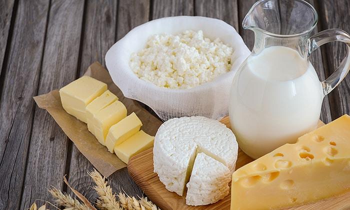 кисломолочные продукты пониженной жирности (молоко, творог, сыворотка, кефир) разрешены в употреблении