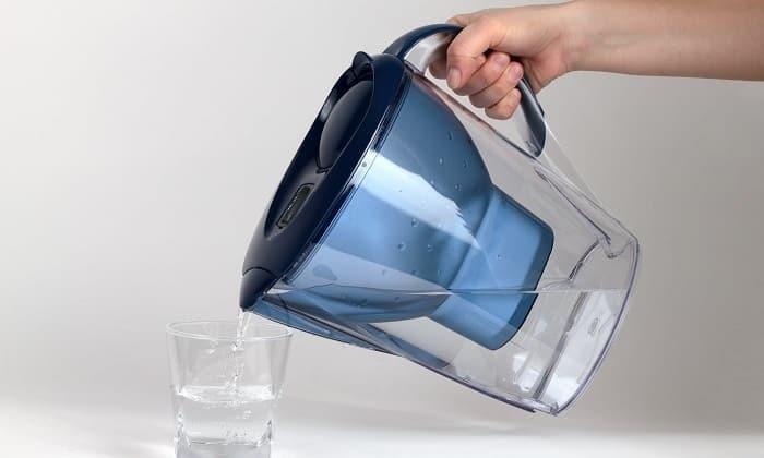 Можно пить много фильтрованной жидкости, если технические характеристики водоочистителя соответствуют нормам