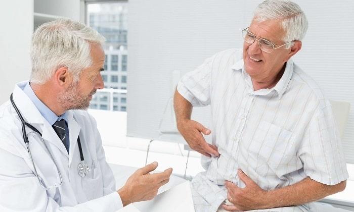 Гастроэнтеролог занимается нормализацией деятельности пищеварительной системы, в т. ч. поджелудочной железы