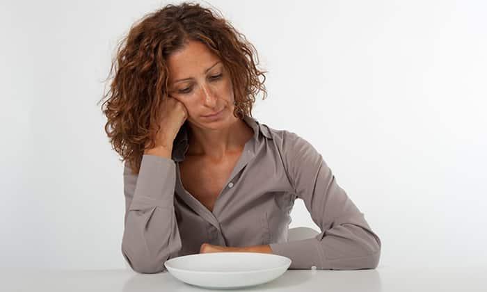 Следует выявить причину тошноты и тщательно следить за образом жизни, при появлении неприятных ощущений, связанных с приемом пищи, рекомендуется голод в течение нескольких часов