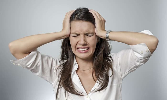 По мере прогрессирования панкреатита у больных появляются приступы головокружения, повышается давление