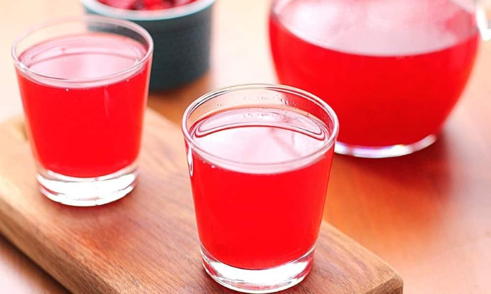 На полдник можно выпить стакан киселя