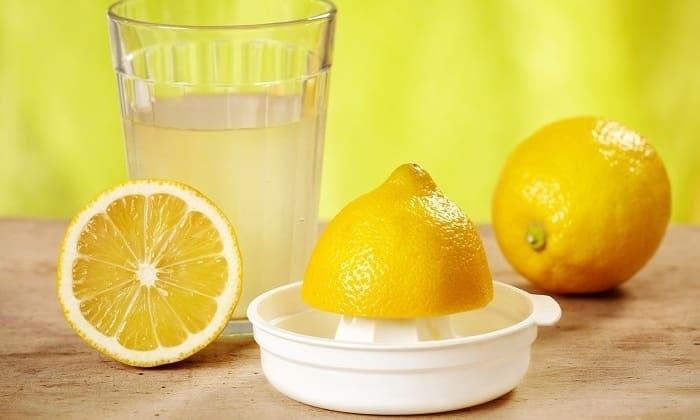 При панкреатите нельзя употреблять напитки, в состав которых входит лимонный сок