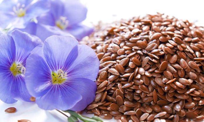 3 ст. л. семян льна заливают 1 л кипятка, настаивают в термосе 12 часов