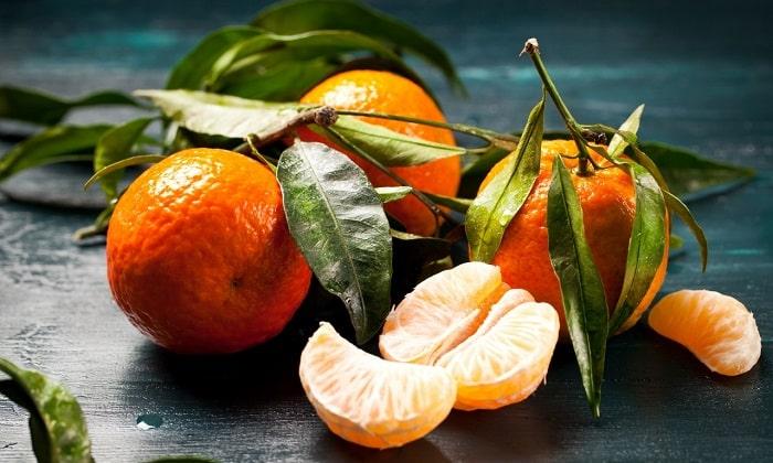 Несмотря на свою полезность и питательность, мандарины при панкреатите разрешено употреблять не всегда