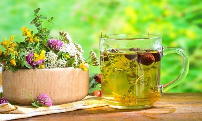 В среду на завтра и ужин можно пить травяной чай