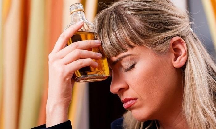 Развивается деструктивная форма панкреатита из-за злоупотребления алкоголем