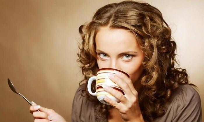 Употребляя чай при панкреатите, больной может нормализовать водный баланс и восполнить дефицит некоторых витаминов