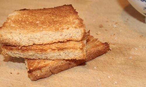 Хлеб при панкреатите должен быть вчерашним и немного подсушенным