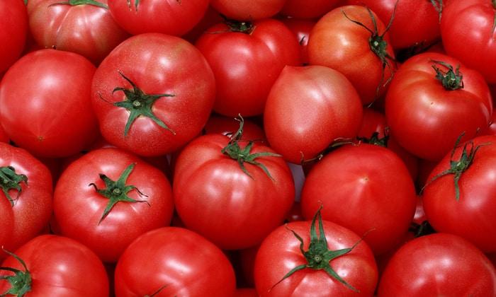 Помидоры входят в состав греческого салата
