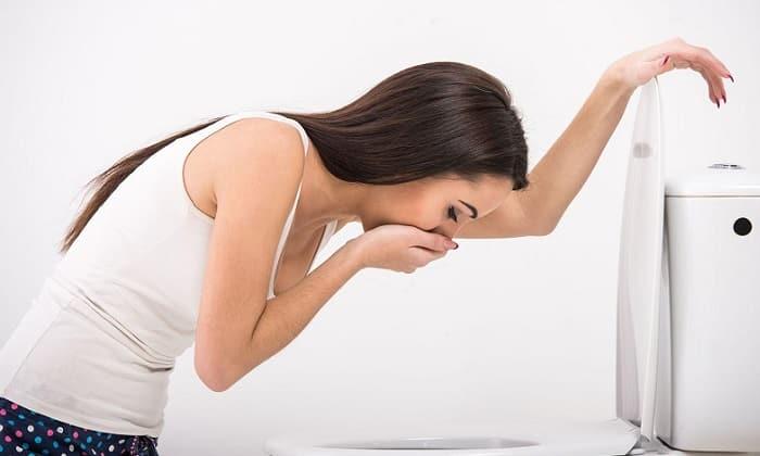 Панкреатит сопровождается рвотой и потерей веса