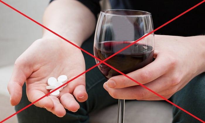 Совмещение лекарства с этанолом чревато образованием вредных химических веществ, оказывающих токсическое действие на организм