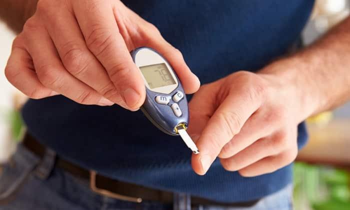 С осторожностью назначают лекарство в таблеточной форме пациентам, имеющим сахарный диабет