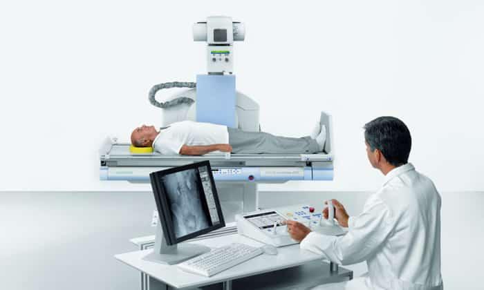 Рентгенологическое исследование брюшной полости. На снимках обнаруживаются кальцификаты, опухоли, участки некроза