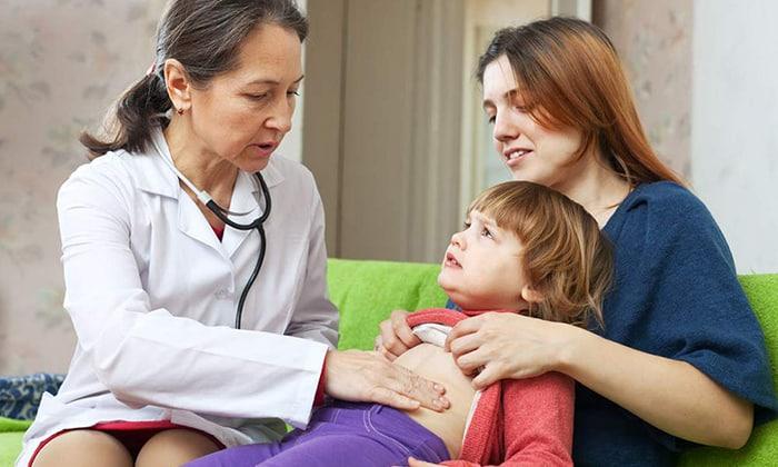 При прощупывании поджелудочной железы возникает выраженная боль