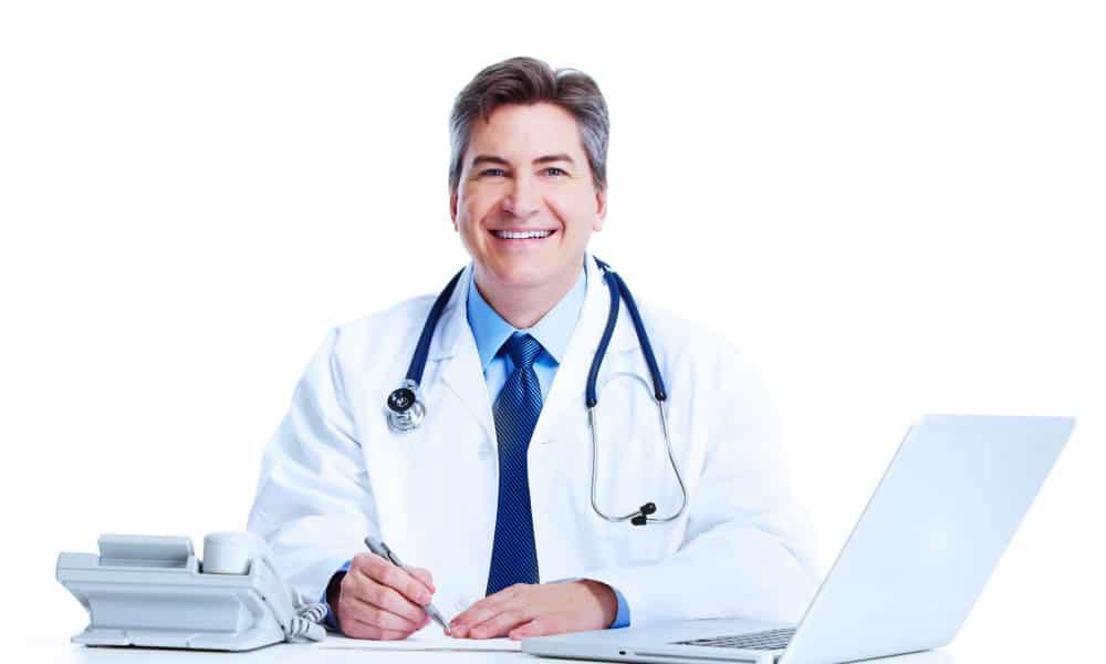 При симптомах опухоли нужно обратиться к врачу (гастроэнтерологу) и пройти обследование
