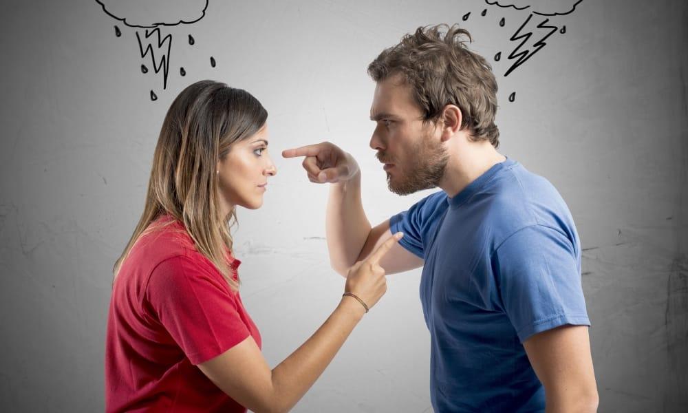 Человек старается контролировать поступки своих близких, а также постоянно чувствует ответственность за других людей, что становится причиной ферментативной недостаточности железы