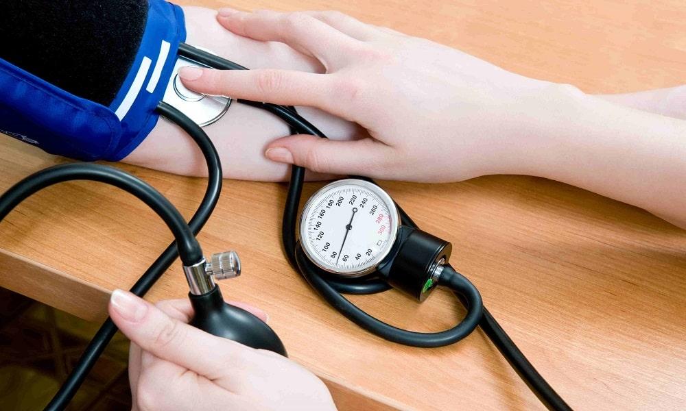 В редких случаях способны возникать следующие побочные проявления: пониженное давление