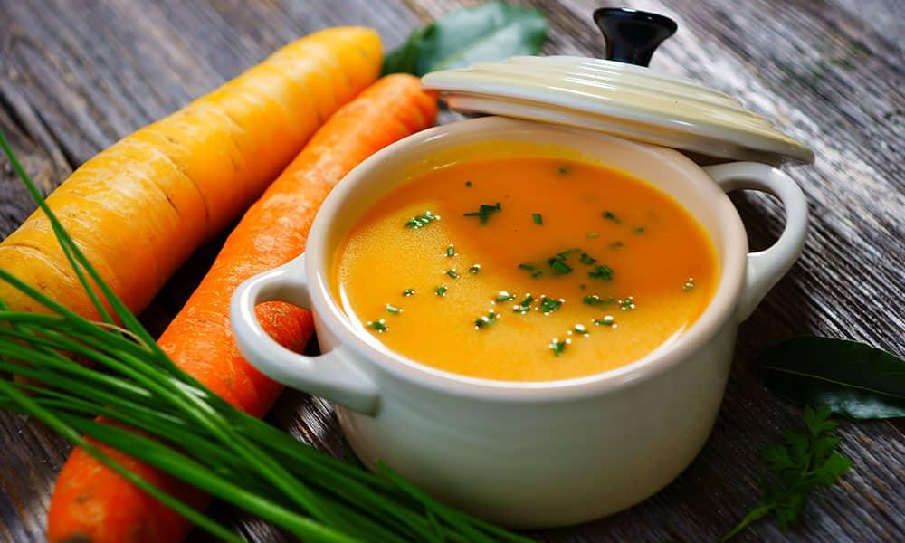 На второй завтрак съедается крем-суп из моркови и цветной капусты и паровая рыбная котлета
