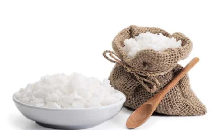 Для нейтрализации чувствительности к запахам перед едой рот можно прополоснуть слабым солевым раствором