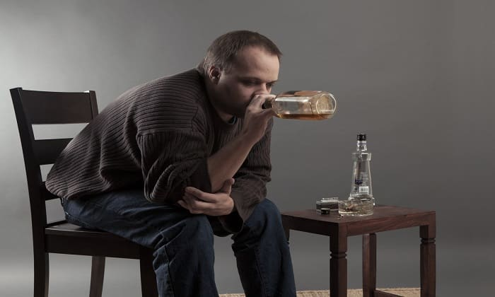 Запрещается применять препарат при хроническом алкоголизме