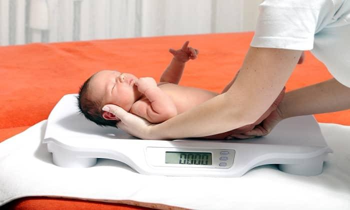 Препарат принимают при наличии заболеваний, связанных с дефицитом массы тела и хрупкостью сосудов у недоношенных детей