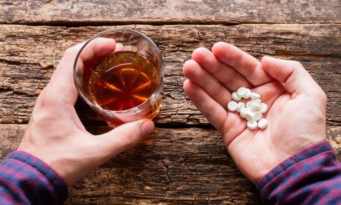 Медикамент не рекомендуется использовать вместе с алкогольной продукцией