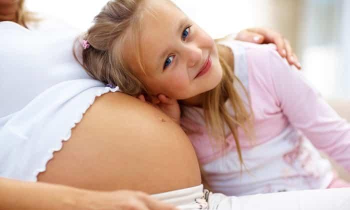 При муковисцидозе и беременности ферментосодержащие лекарства принимают по назначению врача. Фестал не применяют в педиатрической практике