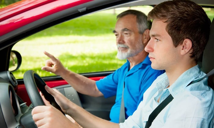 При приеме таблеток нужно проявлять дополнительную осторожность при управлении автомобилем