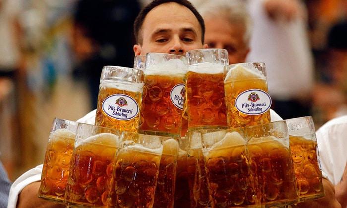 При повышенном газообразовании и расстройства ЖКТ, которые обусловлены чрезмерным употреблением алкоголя необходимо принимать Алмагель Нео