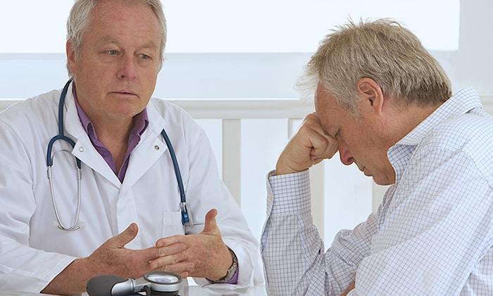 Пациентам старше 60 лет рекомендуется назначать минимальные терапевтические дозы препарата