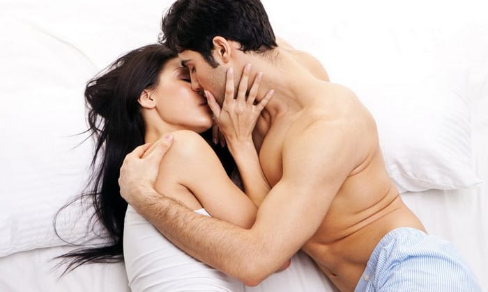 При интравагинальном применении лекарства следует отказаться от секса на весь период терапии