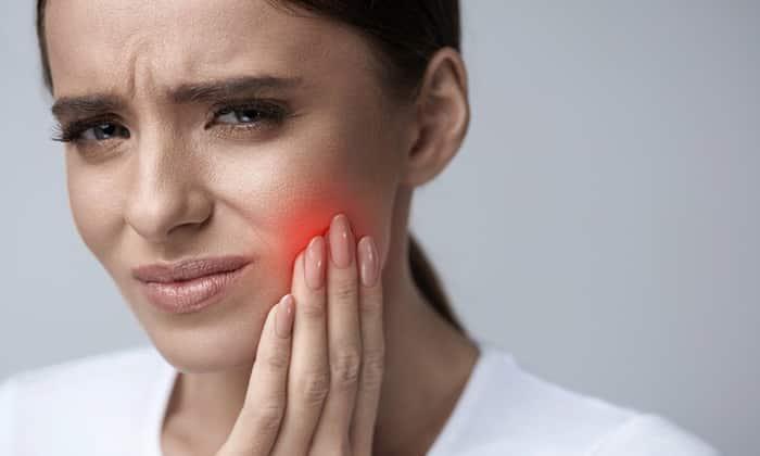 Анальгин назначается в качестве обезболивающего средства при зубной боли