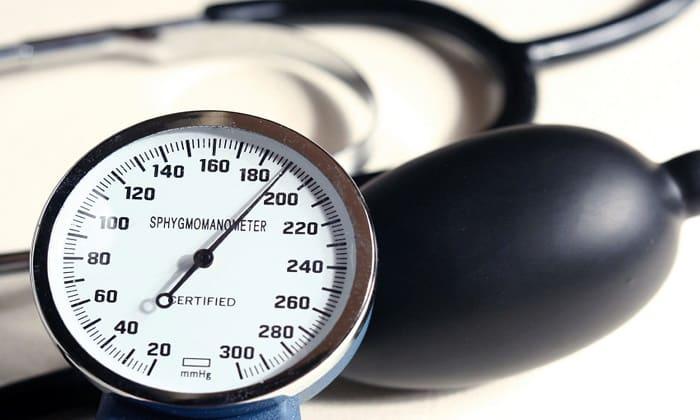 На фоне приема препарата может повыситься артериальное давление