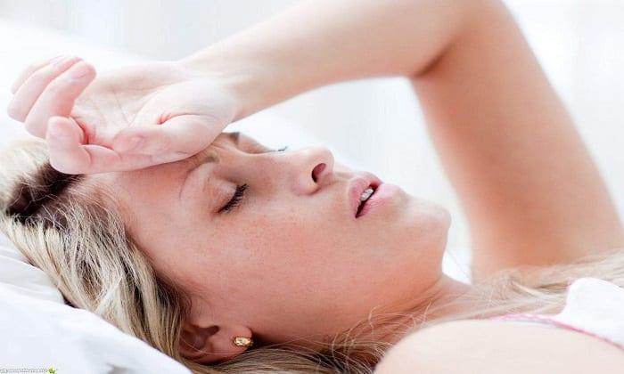 В некоторых случаях на фоне приема Мотилиума появляется слабость и головная боль