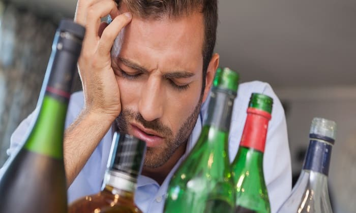 Аджифлюкс полезен при избыточном употреблении алкоголя