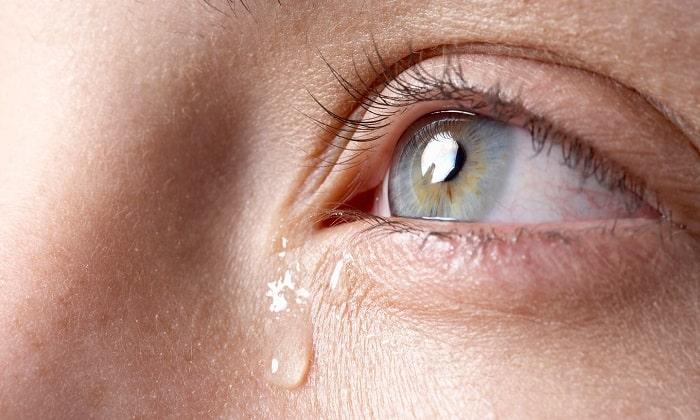 Во время приема Панзинорма может развиться слезотечение