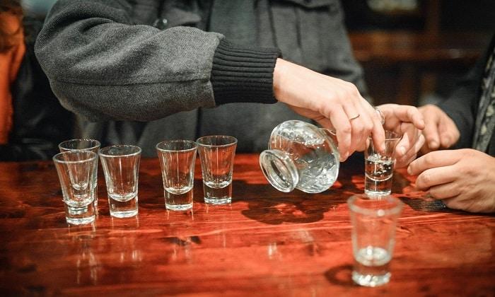 Фосфалюгель необходим при диспептических расстройствах, спровоцированных злоупотреблением спиртным и т.п