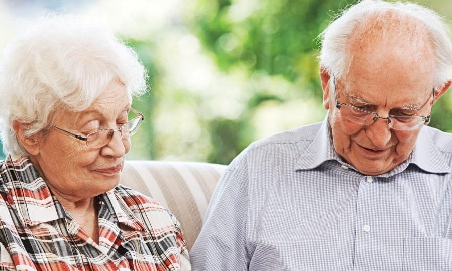 Совместный прием Аллохола и Панкреатина в пожилом возрасте возможен только при отсутствии заболеваний ЖКТ в стадии обострения