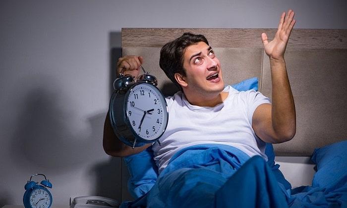 При употреблении большой дозы препарата на ночь может нарушиться режим сна