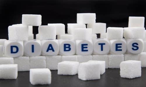 С осторожностью нужно использовать средство лицам с сахарным диабетом 1 и 2 типа