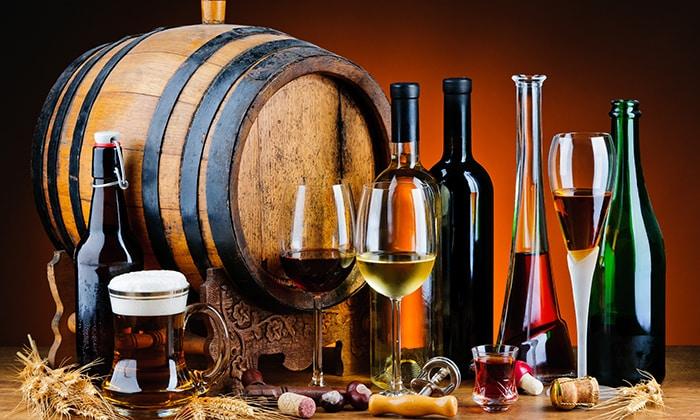 Врачи советуют на время терапии отказаться от спиртных напитков