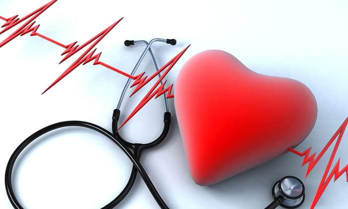 При лечении лекарственными средствами возможно нарушение сердечного ритма