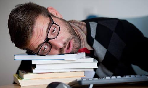 При приеме Необутина возможны побочные эффекты вялость, усталость, сонливость
