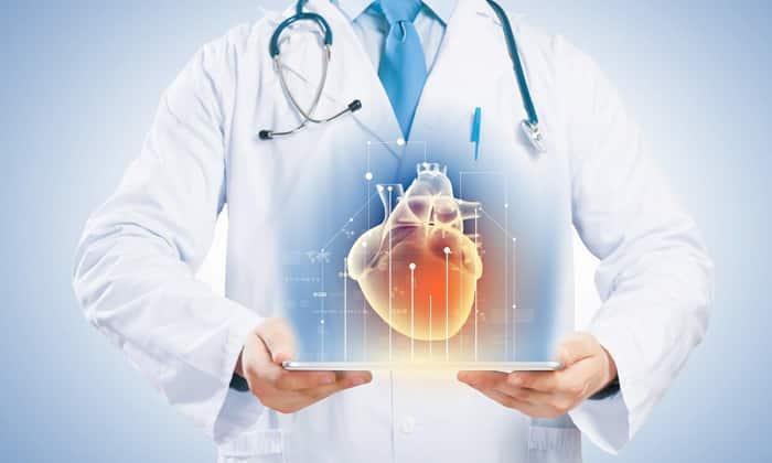 Побочным эффектом приема медикаментов может стать снижение артериального давления