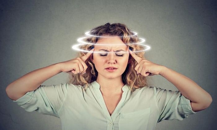 При приеме Просидола возможно появление приступов головокружения и сильных головных болей